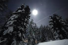 luna sulla neve