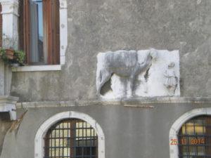 il 'cammello' di palazzo Mastelli del Cammello