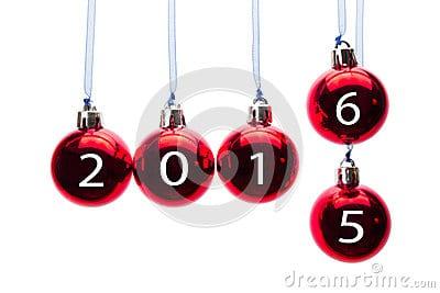 palle-rosse-di-natale-con-i-numeri-di-vecchio-e-del-nuovo-anno-52236779