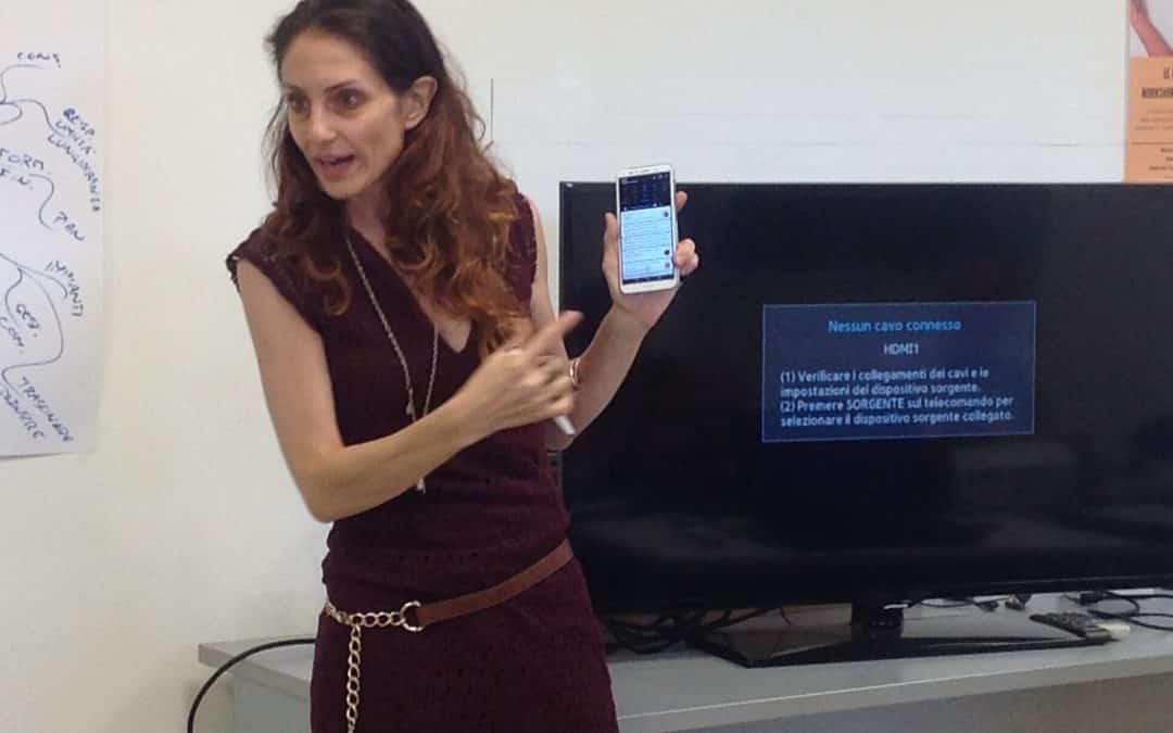 Lezione di smartphone al TalentLAB